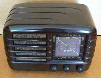 Awa bakelite radio