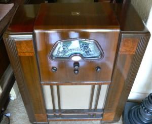HMV 1940's Console Radio