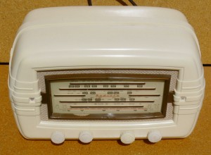 hotpoint cream radio