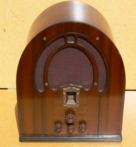 Philco cathedral radio 1930's